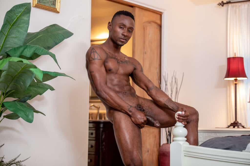 Miller Axton, Noir Male 2020